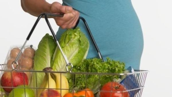 صورة غذاء المراة الحامل في الشهر الاول