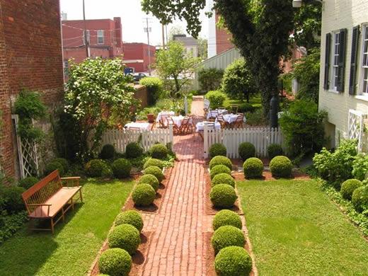 صورة ديكور حدائق منزلية صغيرة
