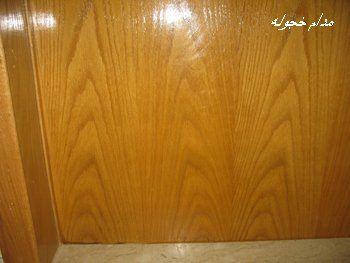 صورة تلميع الخشب