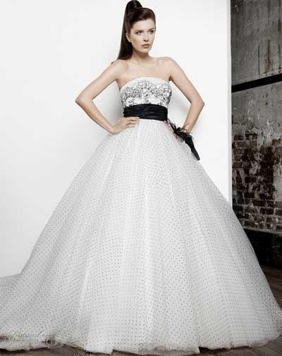 بالصور احدث موضه لفساتين الزفاف