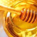 بالصور فائدة قطرة عسل توضع على السرة