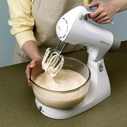 كيفية عمل الكيك بالصور ، كيفية عمل الكيك في المنزل ، كيفية تحضير الكيك في البيت بالصور