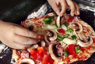 بالصور تعلم طبيخ =البيتزا
