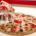 بالصور طريقة عمل بيتزا لذيذه وسهله