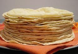 صور طريقة عمل الخبز اللبناني الخفيف