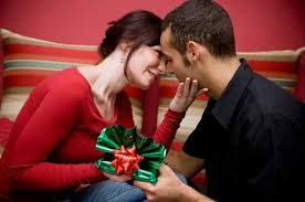 بالصور احلى هدايا عيد الحب 2021