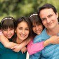 بالصور دور الام في تربية الابناء
