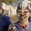 بالصور القبائل العارية