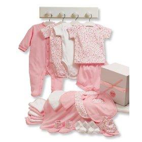 صورة ملابس بيبي حديث الولادة