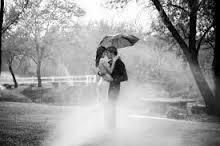 بالصور رومانسية تحت المطر 20160818 2779