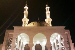 صورة حلم الصلاة في المسجد