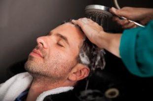 صورة كيفية ترطيب الشعر عند الرجال