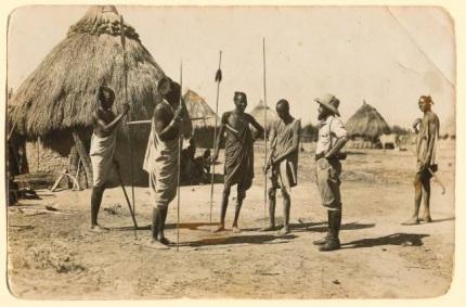 بالصور قبائل متوحشة قبيلة تاكل لحوم البشر بالصور 20160819 21