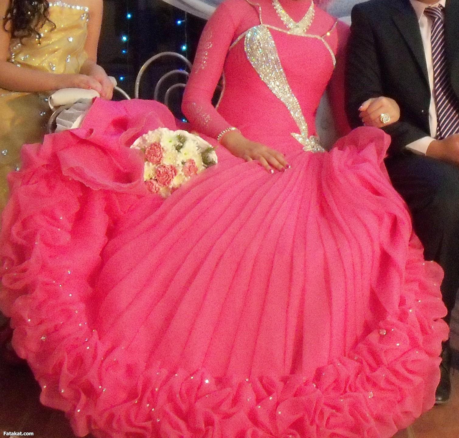 صور تفسير حلم فستان الخطوبة