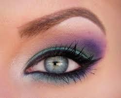 صورة مكياج العيون الزرقاء