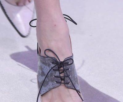 صورة اجمل احذية 2018 , حذاء رائع للصيف والشتاء قمة الموضة